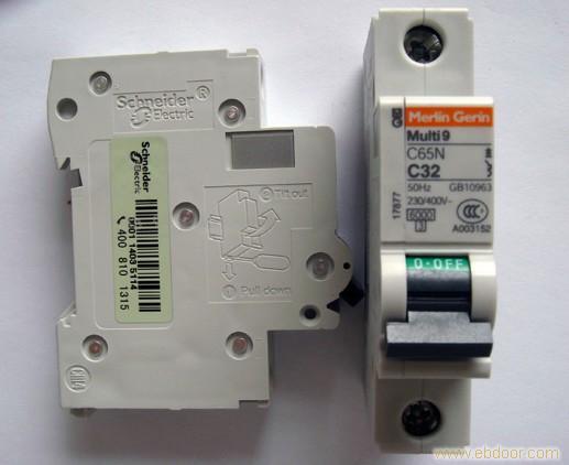 您好,我们是乐清市瑞琪电气有限公司 联系电话:0577-27885086 手机:18657711267报价QQ:512889735 我们是专业代理施耐德电气,欢迎全国各地客户,前来采购,批发。 IC65N系列小型断路器主要适用于交流50/60,额定工作电压为230V/400V及以下,额定电流至63A的电路中,该断路器主要用于现代建筑的电气线路及设备的过载、短路保护、亦适用于线路的不频繁操作与隔离。 施耐德断路器 2P-------极数,有1、2、3、4极 VE-------剩余电流附件,有VE、VEG、V